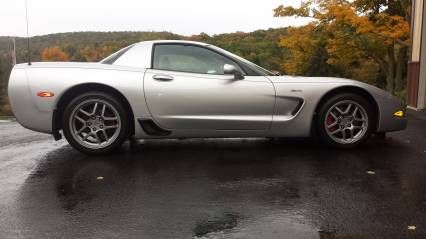 2002 CORVETTE Z 06 LOW MILES LIKE NEW